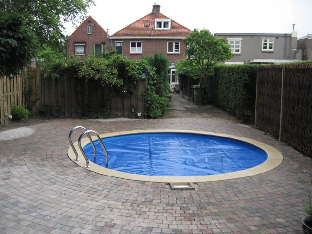 zwembaden rond pakketten randstenen etc zelfbouw