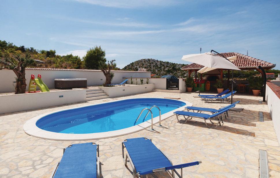 Ovaal zwembad for Inbouw zwembad compleet